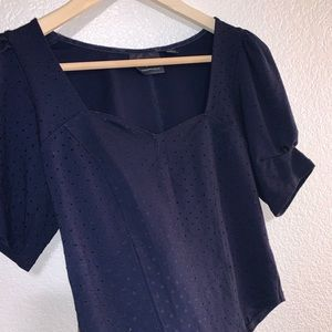 Navy sweetheart neck cropped top